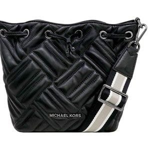 MICHAEL KORS BLK QUILTED LEATHER PEYTON W/ striped